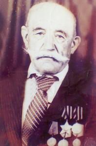 0046 Курбанов Магомед награжден орденом Славы